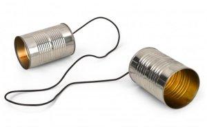 Telepon benang merupakan alat komunikasi tradisional. Yang menggunakan benang sebagai perantara suara antara 2 orang yang berjarak jauh.